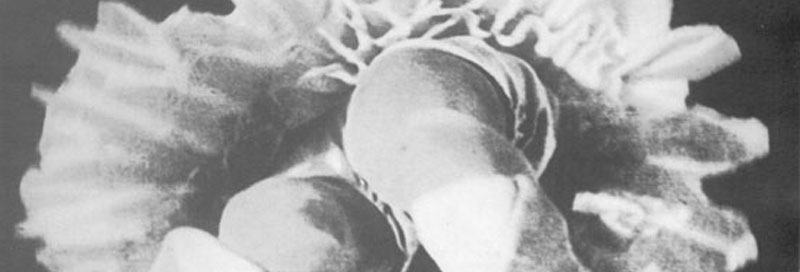an analysis of the 1924 film entracte by rene clair Clair's syntax of nonsensical images defies analysis what is one to make of the film's many transformations, of a ballerina into a bearded man, of a legless man suddenly gaining mobility is this a film about sex.